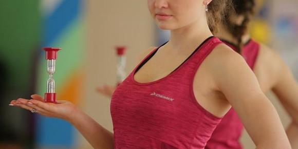 О чем спрашивают девочки в фитнес клубе у тренеров?